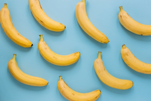 Kolekcja dojrzałych bananów