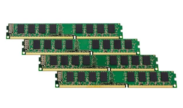 Kolekcja elektroniczna - komputerowe moduły pamięci o dostępie swobodnym (ram) izolowane na białym tle