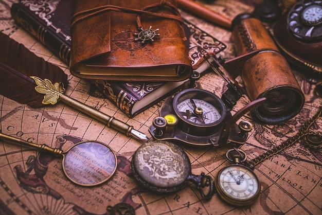 Kolekcja kompasu piratów