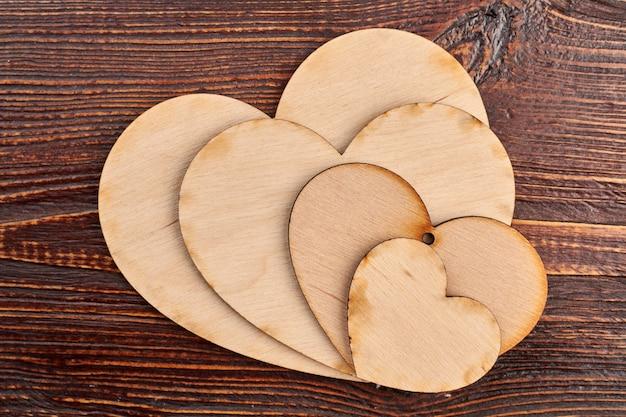 Kolekcja serc ze sklejki do decoupage.