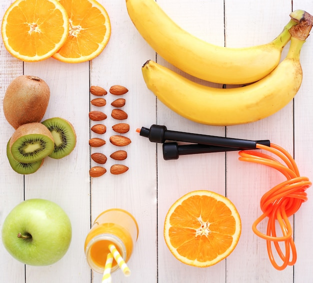 Kolekcja zdrowych owoców, widok z góry