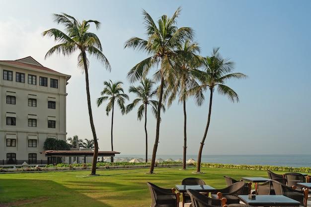 Kolombo, sri lanka, słynny zabytkowy hotel mount lavinia z widokiem na ocean