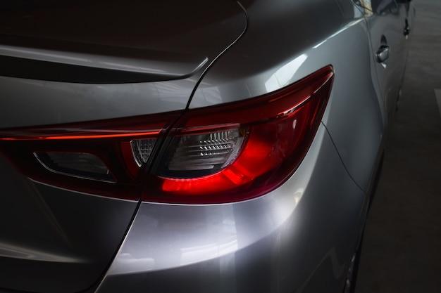 Kolor czerwony ogon samochodowy dla klientów