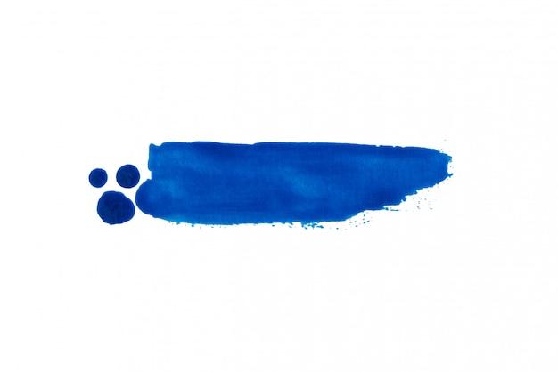 Kolorowa ciemna błękitna ręka rysująca akwareli muśnięcia uderzenia etykietka na białym tle