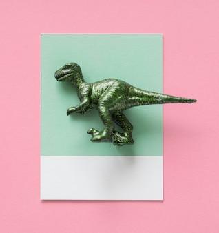 Kolorowa i śliczna miniaturowa dinosaur postać