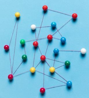 Kolorowa mapa pinezki z bliska