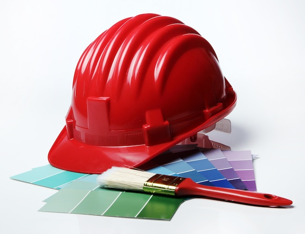 Kolorowa paleta i kask