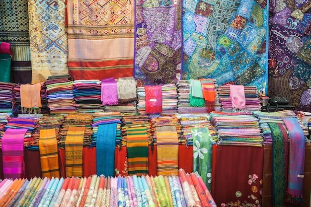 Kolorowa tajska tkanina