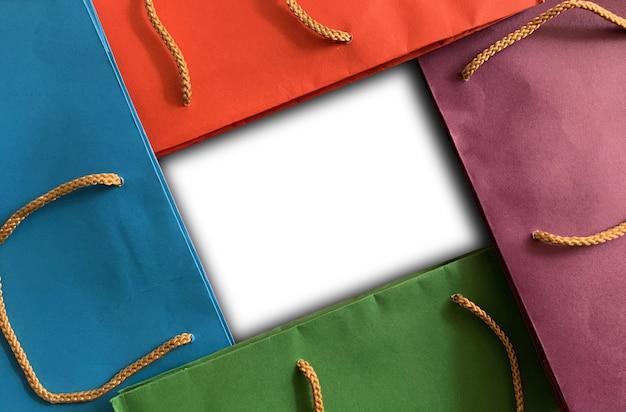 Kolorowa torba na zakupy z przestrzenią