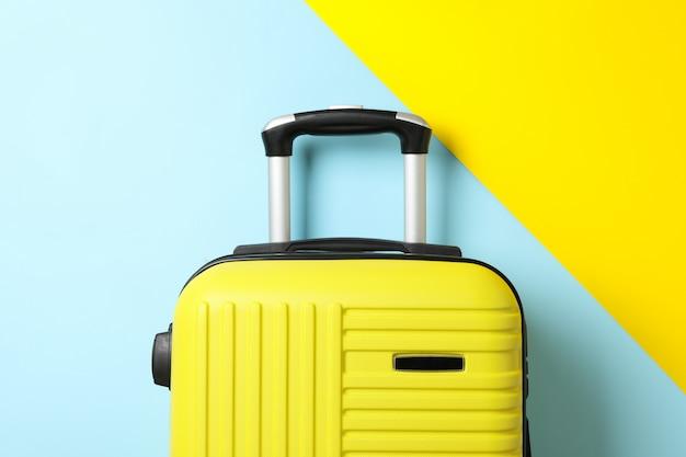 Kolorowa torba podróżna na dwa kolory