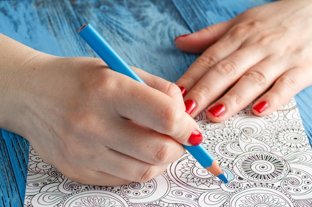 Kolorowanki dla dorosłych kolorowe kredki przeciwstresowe