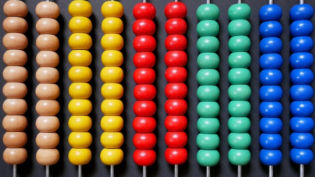 Kolorowe abacus dla matematyki nauka