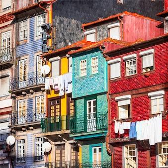 Kolorowe budynki porto. portugalia