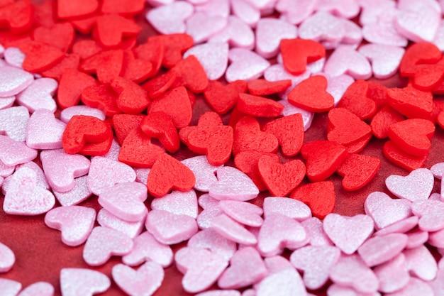 Kolorowe cukierki do dekoracji deserów, ciast i innych słodyczy