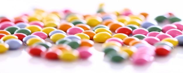 Kolorowe cukierki szkliwione