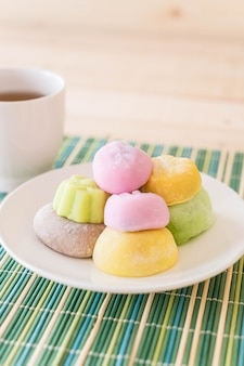 Kolorowe deserowe mochi
