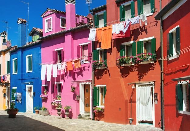 Kolorowe domy na burano