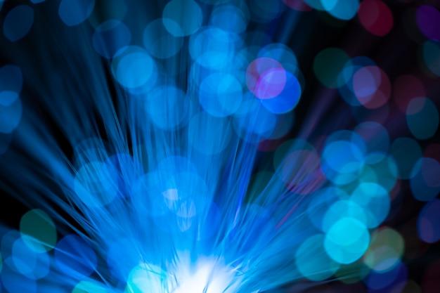 Kolorowe drobinki kurzu za pomocą światłowodu