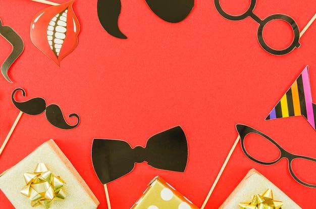 Kolorowe elementy dekoracyjne urodziny