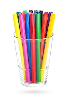 Kolorowe flamastry w szklance