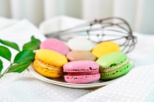 Kolorowe francuskie makaroniki
