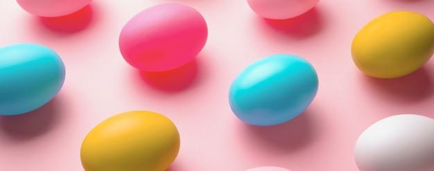 Kolorowe jajka na święta wielkanocne, obraz panoramiczny
