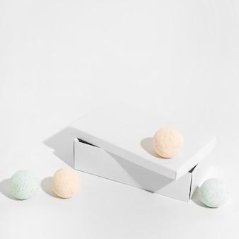 Kolorowe kule do kąpieli pod dużym kątem
