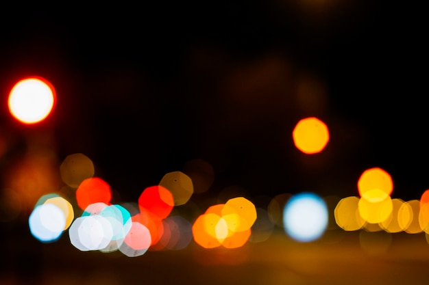Kolorowe lampy uliczne