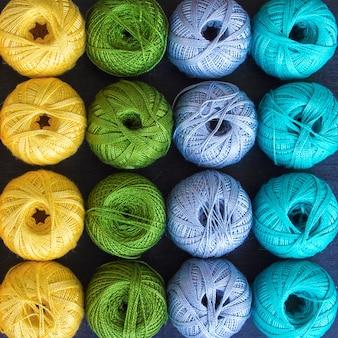 Kolorowe nici do dziania