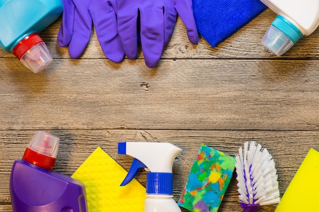 Kolorowe produkty do sprzątania domu