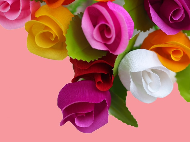 Kolorowe róże papierowe tło.