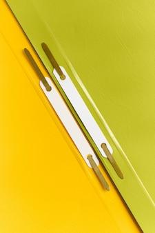 Kolorowe segregatory do zbliżeń na papier