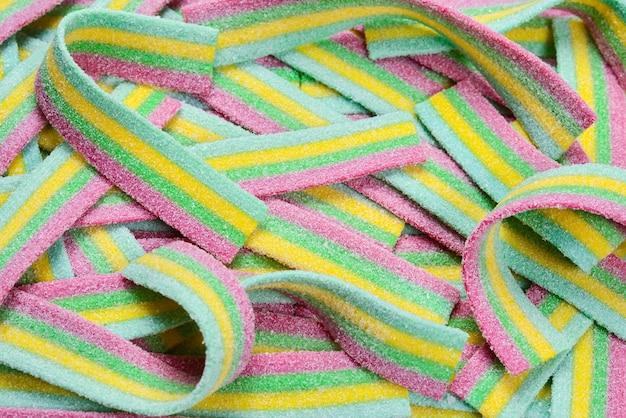 Kolorowe soczyste gumowate cukierki powierzchnia