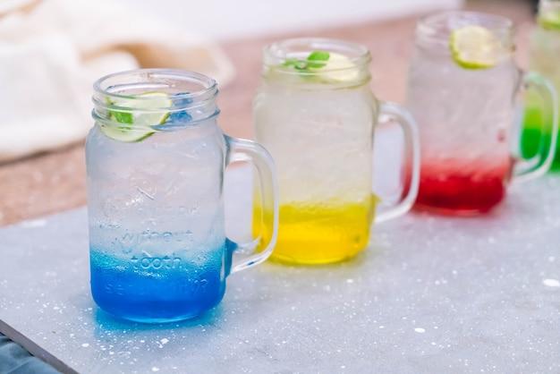 Kolorowe włoskie sody