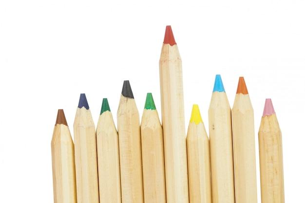 Kolorowi ołówki odizolowywający na bielu
