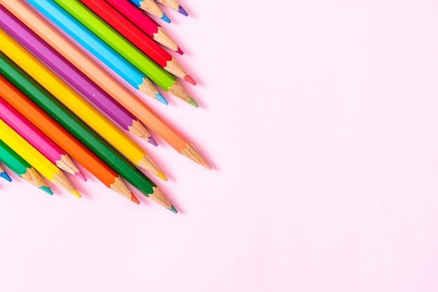 Kolorowy ołówek z miejscem na kopię