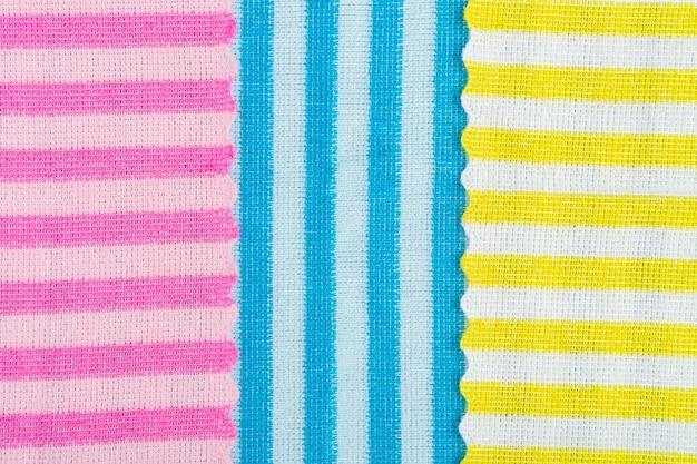 Kolorowy pasiasty materiał idealny na tło.
