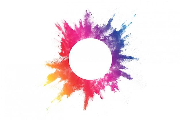 Kolorowy prochowy wybuch na bielu.