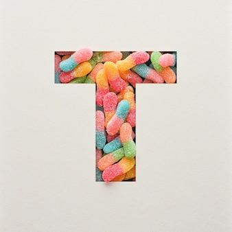 Kolorowy projekt czcionki, abstrakcyjna czcionka alfabetu z galaretką, realistyczna typografia - t
