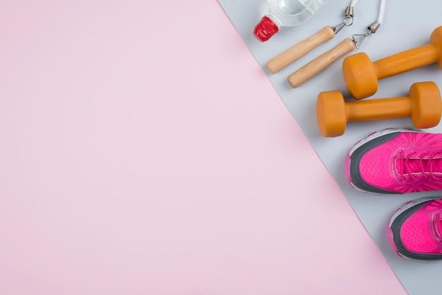 Kolorowy skład sport z elementami siłowni