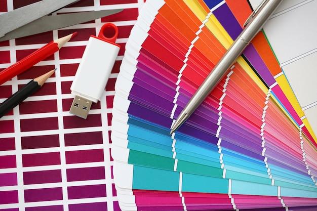 Kolorowy wydruk przesunięcia statystyki pantone