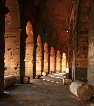 Koloseum korytarz rzym tajlandia