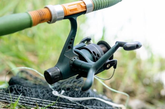Kołowrotek, łowienie ryb na rzece