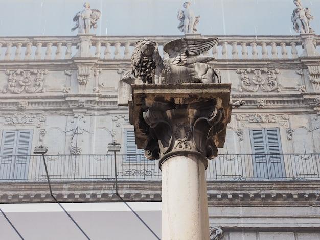 Kolumna lew św. marka w weronie