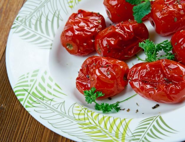 Kompot pomidorowy - dodatek do pomidorów pieczonych lub gotowanych.kuchnia amerykańska