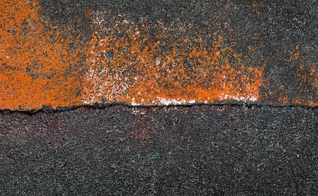 Kompozycja abstrakcyjna na asfalcie