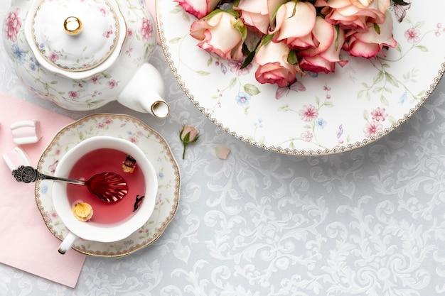 Kompozycja na herbatę z miejscem na kopię