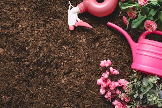 Kompozycja ogrodnicza z puszką ogrodniczą