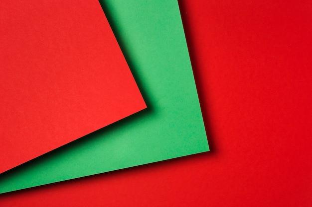 Kompozycja płaskich kolorowych arkuszy papieru