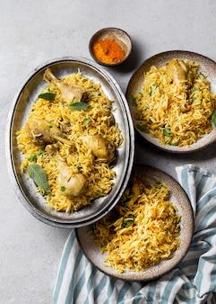 Kompozycja posiłków płaskich świeckich w pakistanie